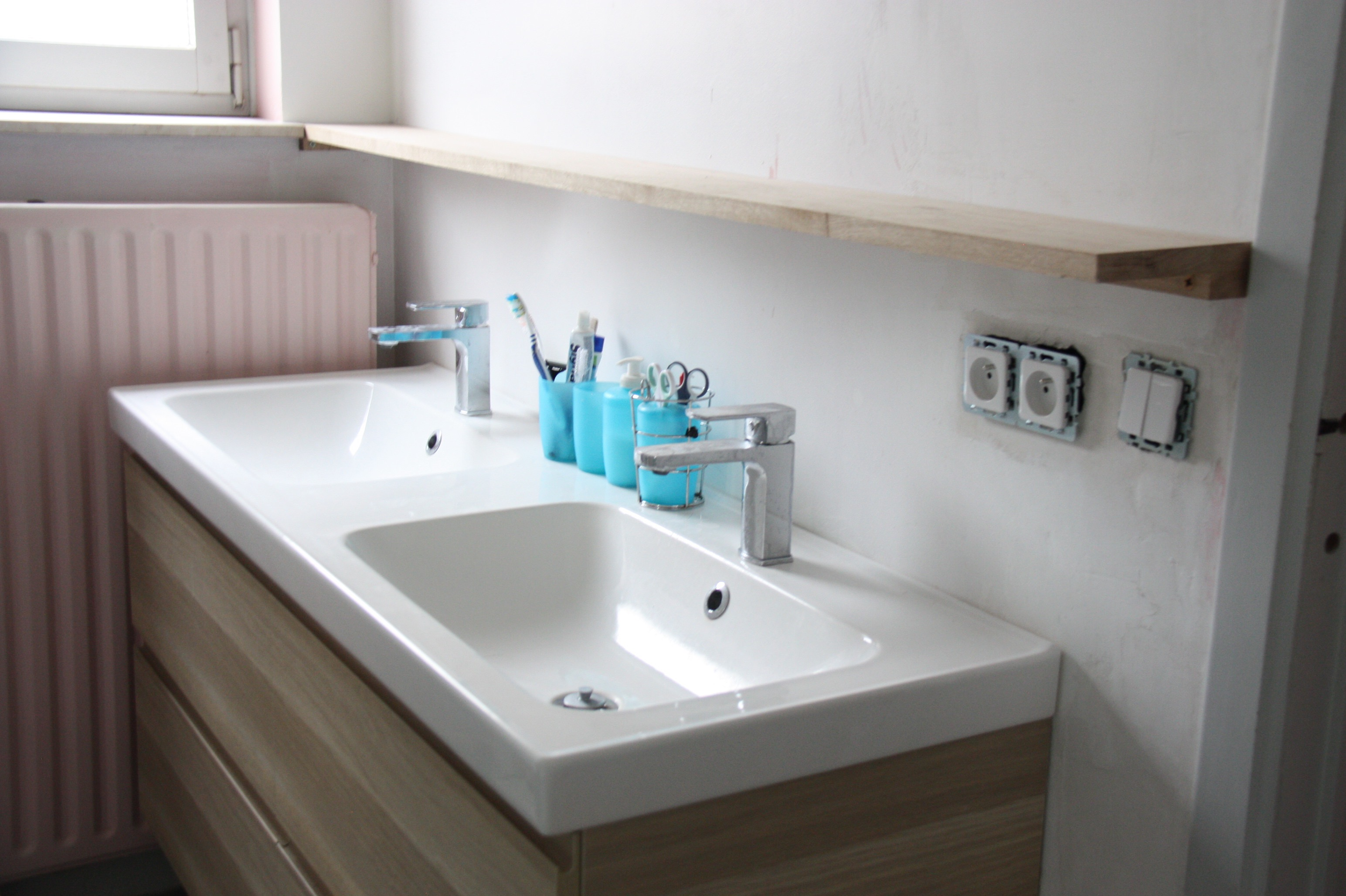 Cr er une salle de bain familiale gwenadeco for Realiser une salle de bain