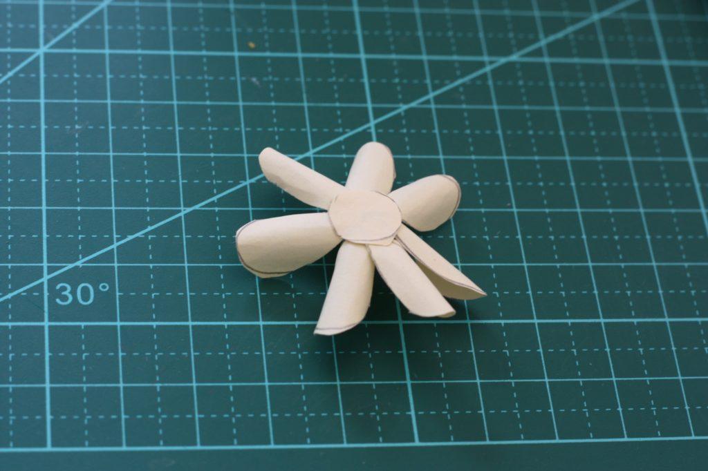 gwenadeco cadre fleurs en papier pastel 4